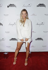 [1142933852] Sports Illustrated Swimsuit Celebrates 2019 Issue Launch At SeaSpice.jpg