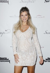 [1142714519] Sports Illustrated Swimsuit Celebrates 2019 Issue Launch At SeaSpice.jpg