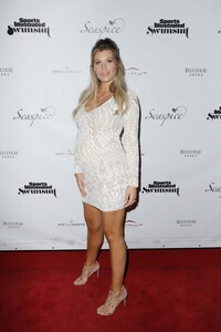 [1142714521] Sports Illustrated Swimsuit Celebrates 2019 Issue Launch At SeaSpice.jpg