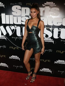 [1143149509] SI Swimsuit On Location Closing Party.jpg