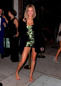 Josephine-Skriver_-Leaving-the-Met-Gala-After-Party--06-620x870.jpg