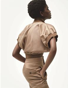 Mecke_Vogue_Germany_April_2019_04.thumb.png.e92d62317d0a5908800cad7989470898.png
