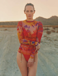 Pearch_Vogue_UK_March_2019_08.thumb.png.77be57fd6d20091ca963974a72a81f6a.png