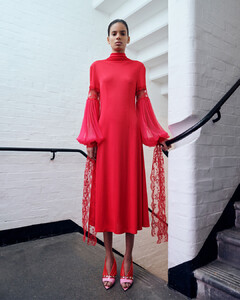 christopher-kane-pre-fall-2019-collection-the-impression-011.thumb.jpg.b0197f9e53beb1f21b0e7d7ffa83b4d1.jpg
