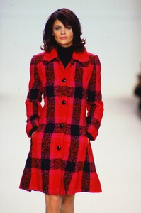 fashion-photography-archive-image-work-image----batch4----fullSize----103205_103205-3_0017_fs.jpg.thumb.jpg.732a1e5ea4a91574936c2bc5a92d0433.jpg
