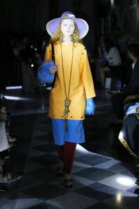 gucci-resort-2020-fashion-show-the-impression-078.thumb.jpg.c000128d00aa425641d5f603f2e12148.jpg