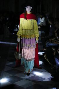 gucci-resort-2020-fashion-show-the-impression-097.thumb.jpg.ffb6420b70716392c94bf979595665da.jpg