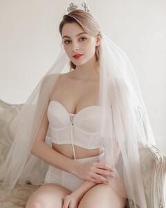 sonnet_bride_56215344_669051700196375_3590593011943194570_n.jpg