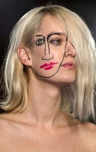 Zoë Le Ber perhaps fall_2015_beauty_trends_painted_faces_jacquemus.jpg