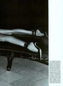 Cayley_Vogue_Italia_October_2003_07.thumb.png.c0eec295ff93e5c132c3e20cfa5b3c50.png
