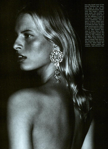 Cayley_Vogue_Italia_October_2003_09.thumb.png.145145d373ebab3fc90e1eb9a46a4b47.png