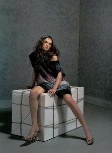 Collins_Vogue_Italia_October_2003_06.thumb.png.14fae291b12afe148dd93188b63b05cd.png