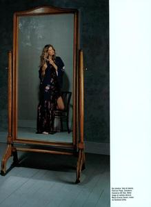 Collins_Vogue_Italia_October_2003_13.thumb.png.52e4c018ed31f43e8d19c2d436cc045c.png