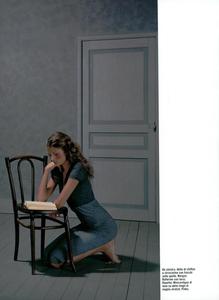 Collins_Vogue_Italia_October_2003_15.thumb.png.41cc9dddaefca8c6c7ed31b64d655ba8.png