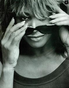 Lindbergh_Gustafson_Vogue_Italia_December_1989_08.thumb.png.73d40d9513a9ca9dcf9cca9aeb45c29c.png