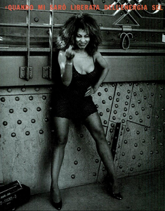 Lindbergh_Gustafson_Vogue_Italia_December_1989_13.thumb.png.367fdb673687f37eebe3967157d36861.png