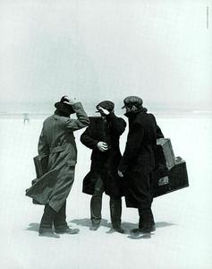 Lindbergh_Gustafson_Vogue_Italia_December_1989_15.thumb.png.582f6f8c859f0f75fbd2bbf908810942.png