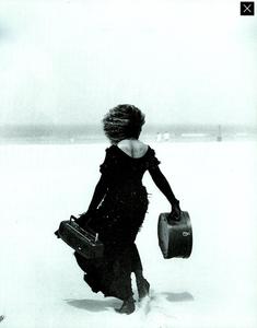 Lindbergh_Gustafson_Vogue_Italia_December_1989_16.thumb.png.69c58f76189221f88d97611461ceba09.png