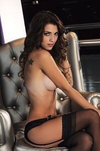 Nicole-Traba-Hombre-Mayo-2013-2.thumb.jpg.34b1cabf54f69d97d4e6141a93fcf7ea.jpg