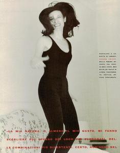 Ritts_Vogue_Italia_December_1989_11.thumb.png.2a7359e0bc6a71536b4a39a052b53d92.png