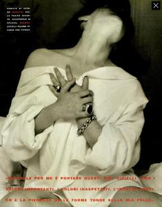 Ritts_Vogue_Italia_December_1989_14.thumb.png.a9152a98295d1ddc8b120c48e7fdad0b.png