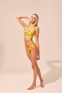SP2-19-THE_ELLE_YELLOW_DAISY-3_copy_1200x.progressive.jpg