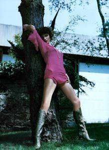 Saikusa_Vogue_Italia_October_2003_10.thumb.png.c9fd6b52811668cbb8f12f6de09aa299.png