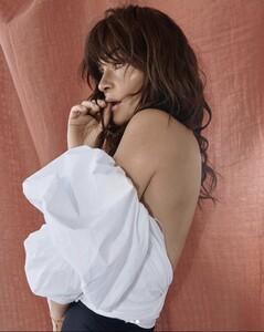 helena-christensen-elle-serbia-supermodel-cover-817x1024.thumb.jpg.e02b938f70c91eda6bdeb5c3c2223d76.jpg