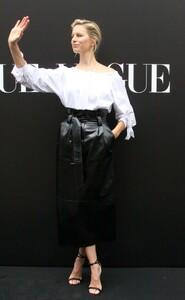 karolina-kurkova-vogue-live-shaping-the-future-of-fashion-conference-in-prague-05-31-2019-1.thumb.jpg.f9656367e99333b8a174f05fa6e4ad91.jpg