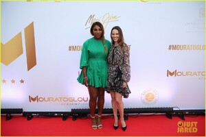 serena-williams-alexis-ohanian-couple-up-for-mouratoglou-tennis-academy-charity-gala-05.jpg