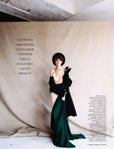 vogue-uk-2013-10-oct-3145.thumb.png.98fad957bbb782a1eab76785f5dedda6.png