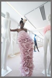 00001-Giambattista-Valli-couture-fall-2019.thumb.jpg.ba256699ac9533f7abf232f31f65e505.jpg