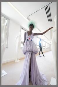 00004-Giambattista-Valli-couture-fall-2019.thumb.jpg.2124de584e9a41921bc8cc1e1929d5ab.jpg