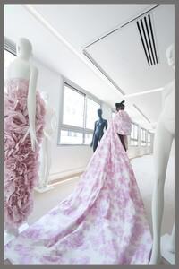 00024-Giambattista-Valli-couture-fall-2019.thumb.jpg.518bd6b56e7cdf6884d4d22b46e8e2b5.jpg