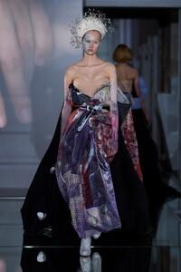 00025-Maison-Margiela-Couture-Fall-19.thumb.jpg.2814a8ad59c1bbeb3ab8f9d768e7b2e0.jpg