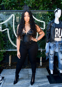 Jordyn+Woods+True+Religion+FIT+Event+Nylon+443NTB5oPDRx.jpg