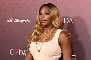Serena+Williams+Sports+Illustrated+Fashionable+3NKLXLM0_Vyx.jpg