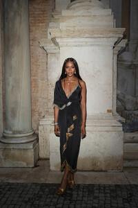 Naomi+Campbell+Gucci+Cruise+2020+Arrivals+wQIhEC07j2hx.jpg