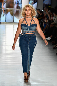 Jordyn+Woods+Chromat+Runway+SS18+Fashion+Week+dIa0mIGdbqqx.jpg