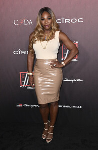 Serena+Williams+Sports+Illustrated+Fashionable+Os4HcaCDvN8x.jpg