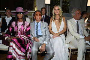 Naomi+Campbell+Valentino+Front+Row+Paris+Fashion+7_jwgEfUjasx.jpg