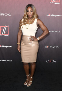 Serena+Williams+Sports+Illustrated+Fashionable+Rks6gPy3lW7x.jpg