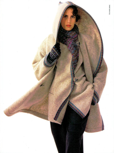 Carrara_Missoni_Fall_Winter_89_90_02.thumb.png.96f03cfd98b7a39b0d7e69300a1e6131.png