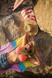 Cornwall-surfer-lifestyle-portraits-by-Marianne-Taylor.-Click-through-to-see-more_0014.jpg