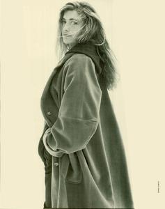 Davies_Ixia_Promotional_Vogue_Italia_July_August_1988_05.thumb.png.cf5d470778d219e8f504fb7d5f4db43a.png