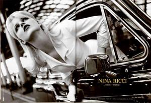 Eva_Issermann_Nina_Ricci_Spring_Summer_1996_02.thumb.jpg.a959ad580173c927694963af668d7c00.jpg