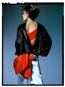 Hiro_Vogue_Italia_January_1985_04.thumb.png.975a971ad8f70262c07d83fff2a5ca4d.png