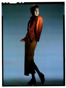 Hiro_Vogue_Italia_January_1985_06.thumb.png.eee67389af875f5f42396b743f900891.png