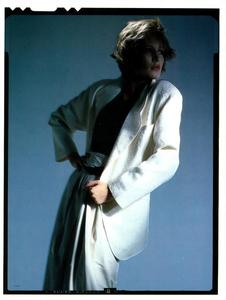 Hiro_Vogue_Italia_January_1985_07.thumb.png.c3156375e64b42eb5e4f872f50027e01.png