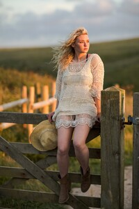 Living-is-easy.-The-Magic-of-Cornwall.-Click-through-to-see-more_0011.jpg